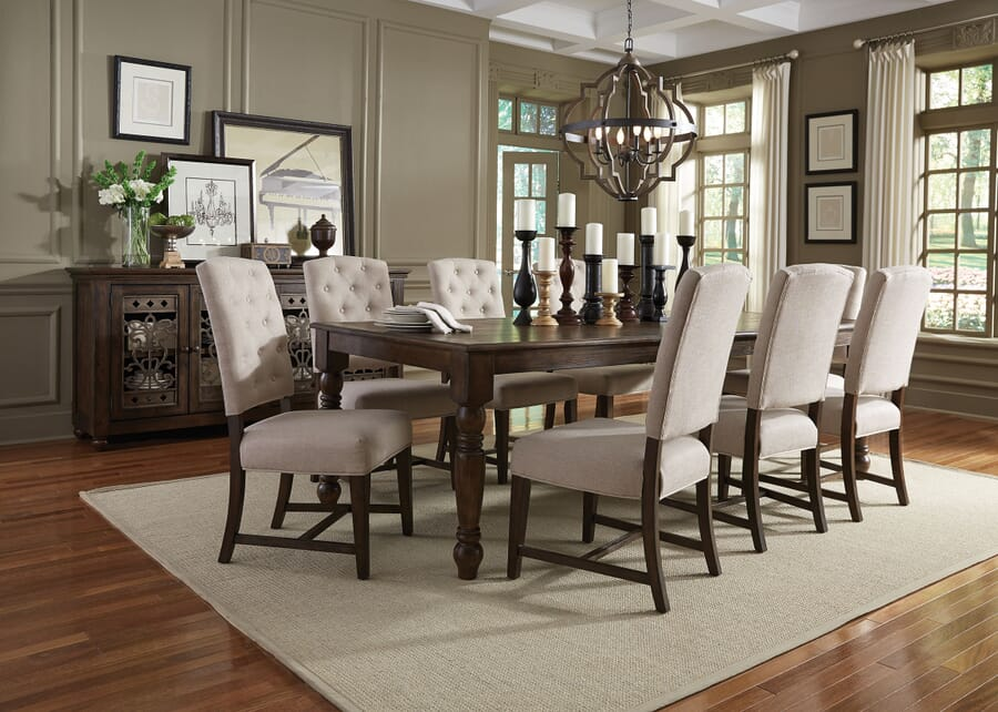 How to choose the right dining table height